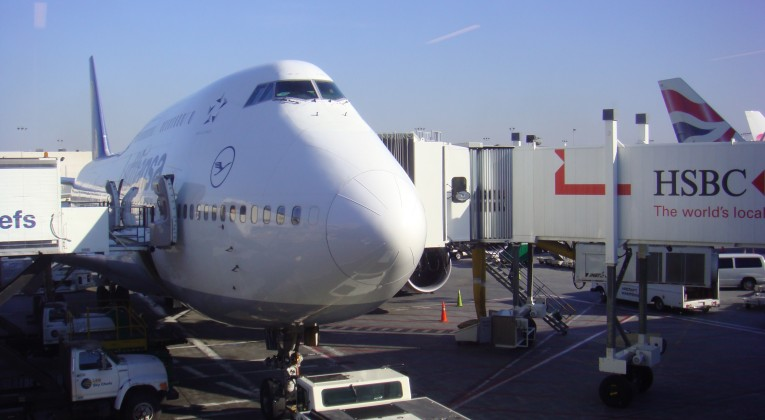 Lufthansa-747-at-JFK