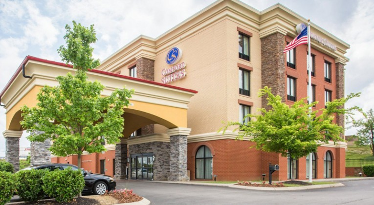 Comfort Suites, a Mt. Juliet hotel near Nashville Shores Waterpark