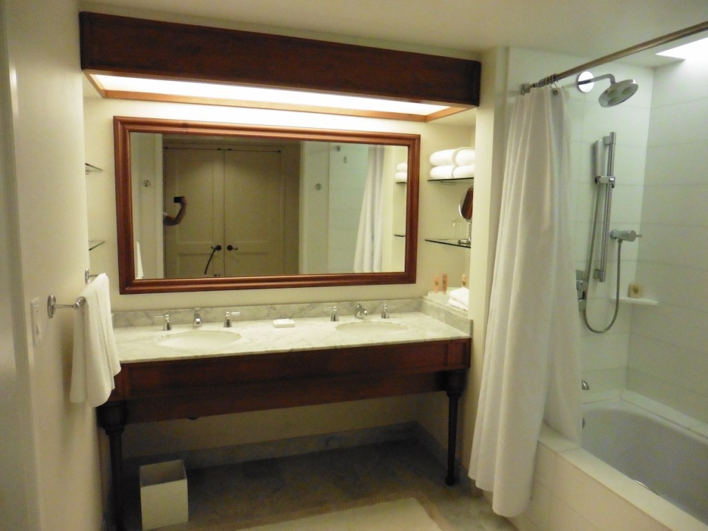 Grand Hyatt Kauai bathroom