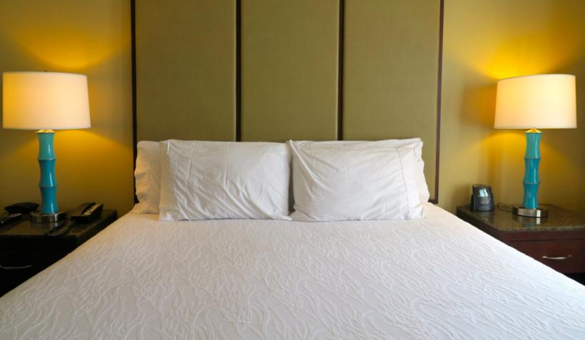 M Hilton Garden Inn Napa Bed