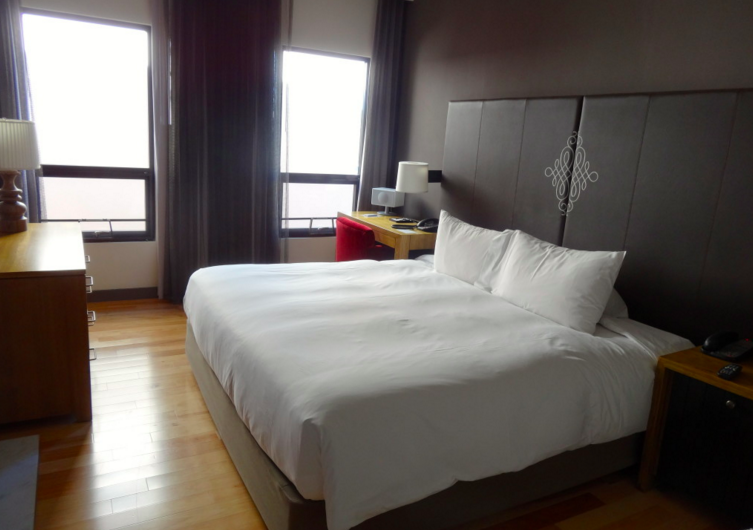 M Andaz Napa bedroom