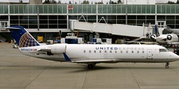 United Express Bombardier CRJ-200ER airplane