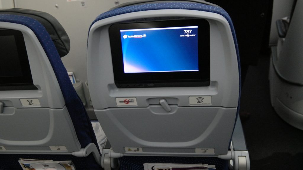 Aeromexico Economy Class entertainment