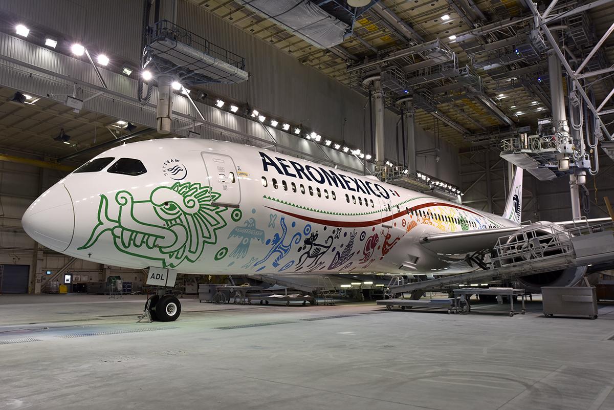 A look inside the aeromexico 787 dreamliner insideflyer for Interior 787 aeromexico