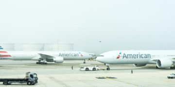 Two American Airlines aircraft at Heathrow Airport (Source: Unsplash / Damian Hutter)